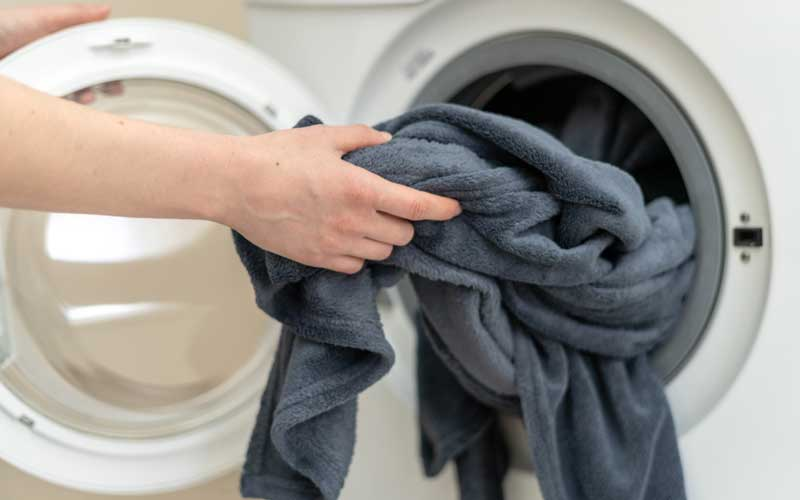How to wash a weighted blanket