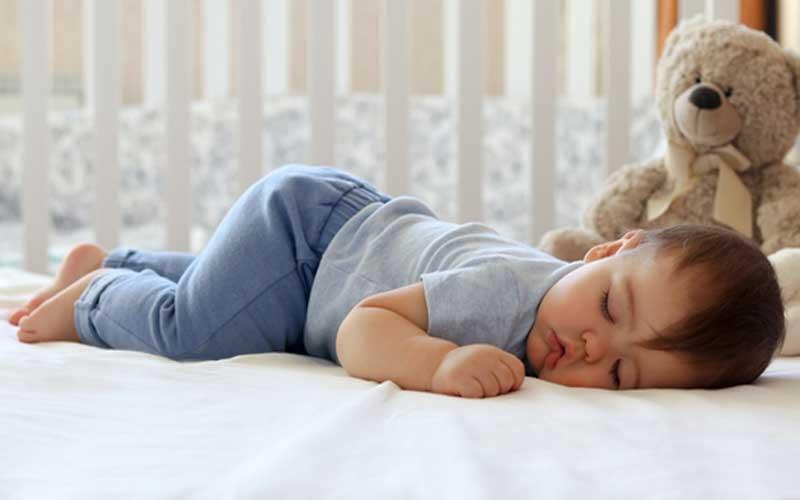 When can a toddler start using a pillow